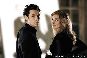 Jude Law and Julia Roberts, as if butter wouldn't melt.