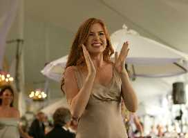 Isla Fisher requests a particular size of boyfriend.